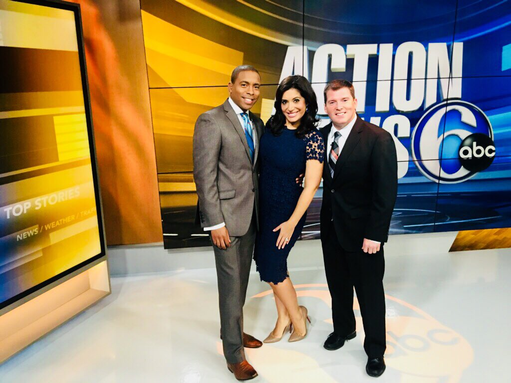 Gray Hall On Twitter Youre Up And We Are On And Look Who Is Joining Us This Sunday Morning Aliciavitarelli 6abc