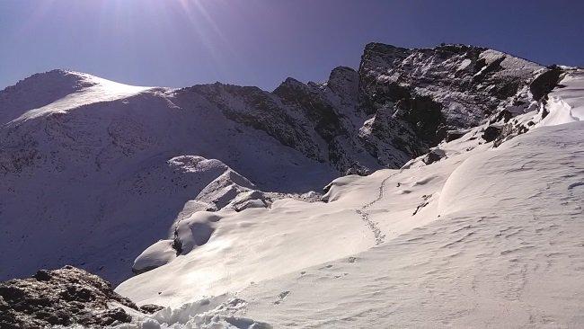 Las nevadas de octubre nos han dejado una sierra refrescante a la espera de un invierno épico ;) Gracias @nivalis ➡️https://t.co/w2TSpFpgec