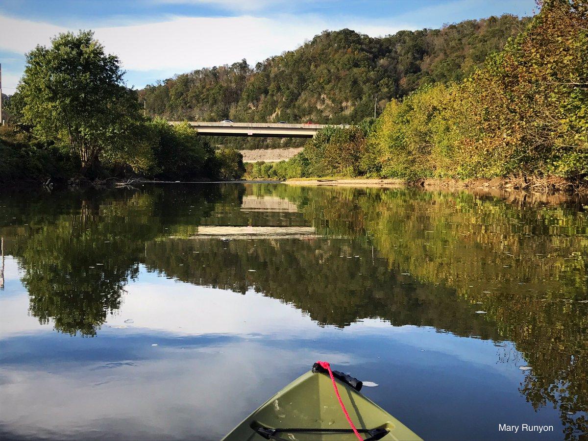 The bridge that crosses over to #Walmart #PikeCoKY as seen from my #kayak @wymt @allisonwymt @ArdenWYMT @AndrewWYMT @nwsjacksonky @SpecNewsKY @JimWKYT @ChrisWKYT @Kentuckyweather @JoshFitzWx @WeatherNation @Tracey_Wx @EarthandClouds @BluegrassScenes<br>http://pic.twitter.com/ZwM5GOZ6DW