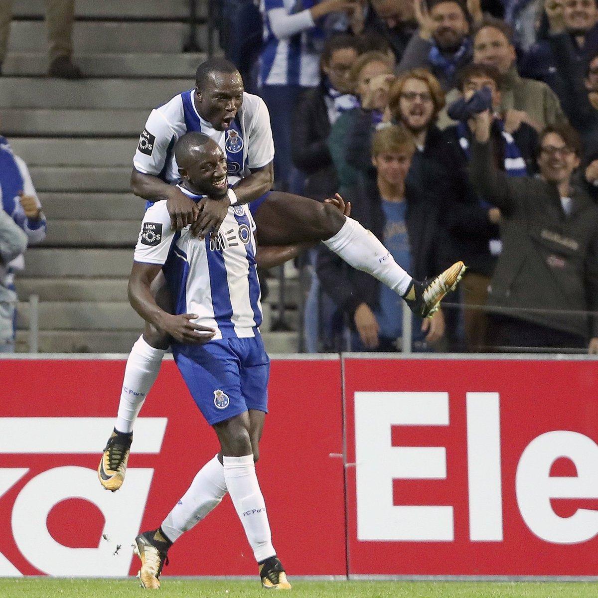 Aboubakar + Marega = 19 golos 💪🔵⚪️  #FCPorto #FCPFCPF