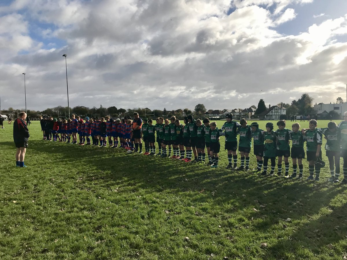 Thanks to @youngvillagerfc &amp; @PenarthRFC U12s marking the loss of Sue &amp; thinking of our friends @Old_Pens_RFC &amp; @cardiffstu #rugbyfamily <br>http://pic.twitter.com/oyr8XpbrPp