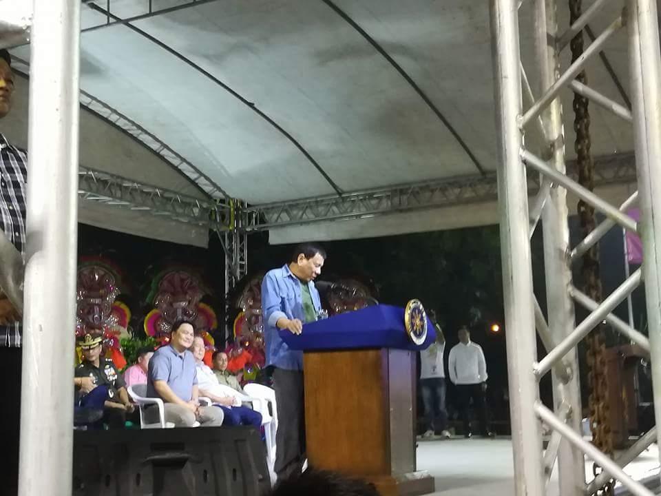Robredo Duterte Minion On Twitter Look President At Rrddavao