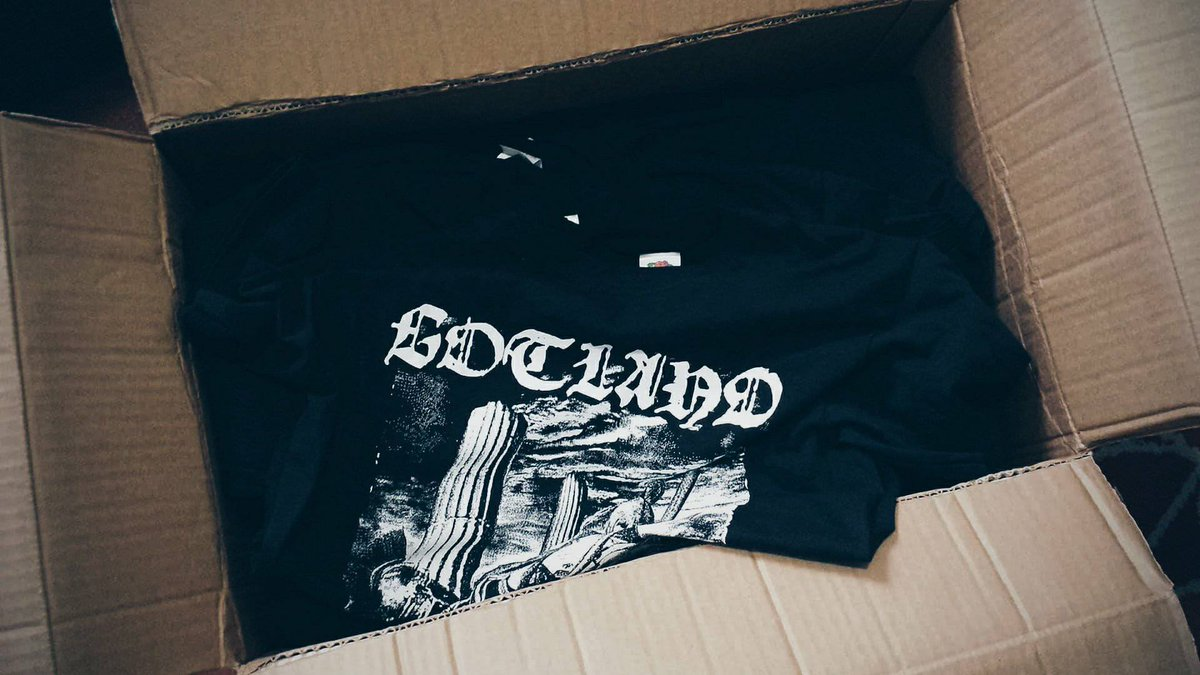 SOMETHING ARRIVED YESTERDAY! STAY TUNED  #gotland #black #pagan #metal #band #italy #italian #pack #new #tshirt #special #limited #edition<br>http://pic.twitter.com/pPWTZKI6wG