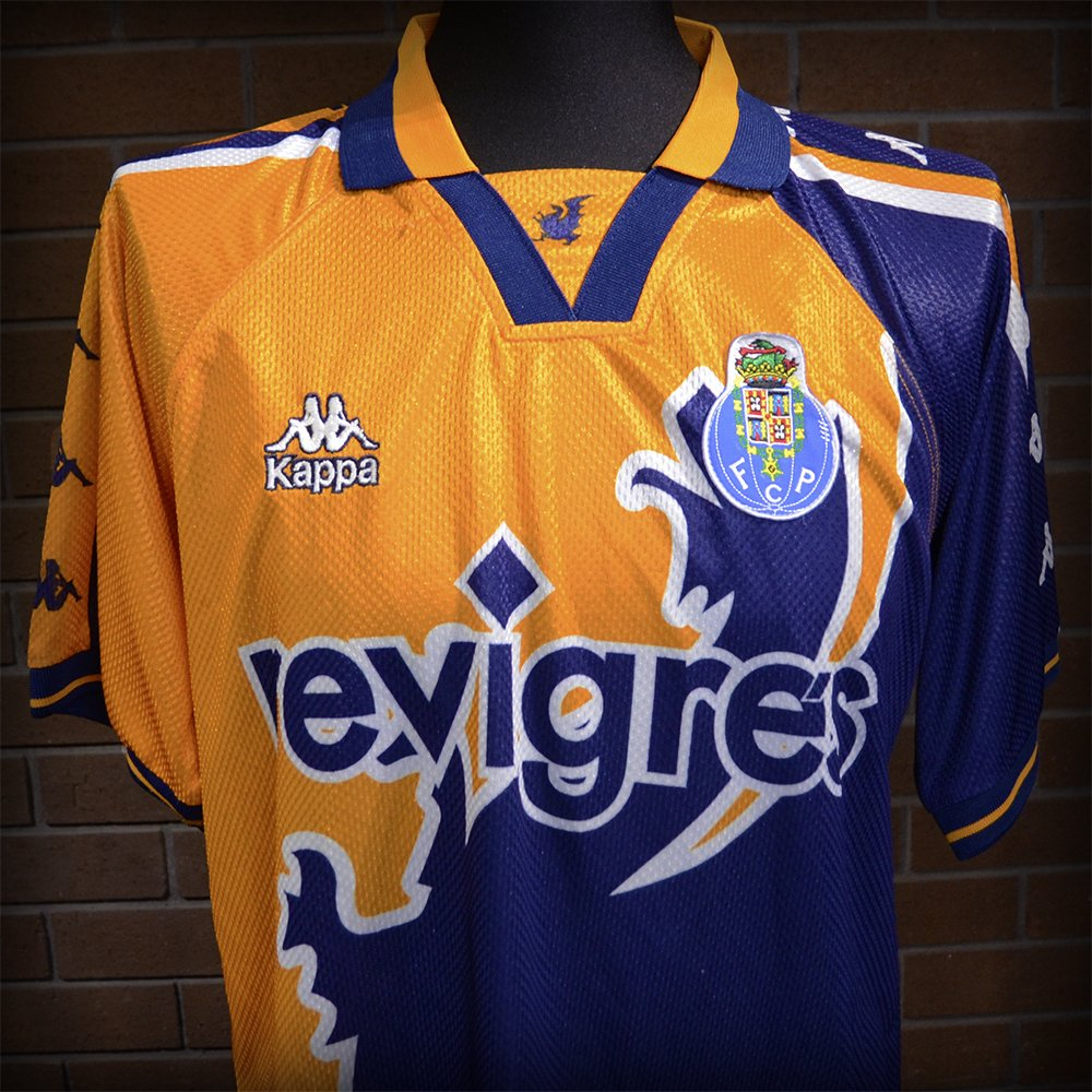 2dcc09b33336a Classic Football Shirts on Twitter: