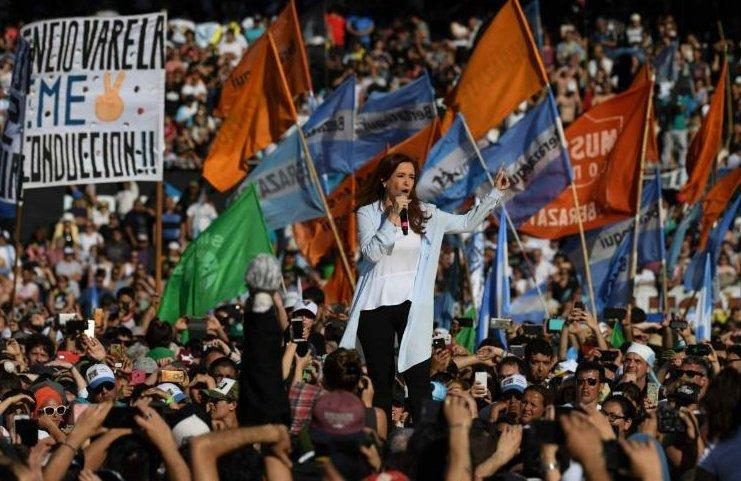 #22Oct EL PAÍS   ARGENTINA decide si ent...
