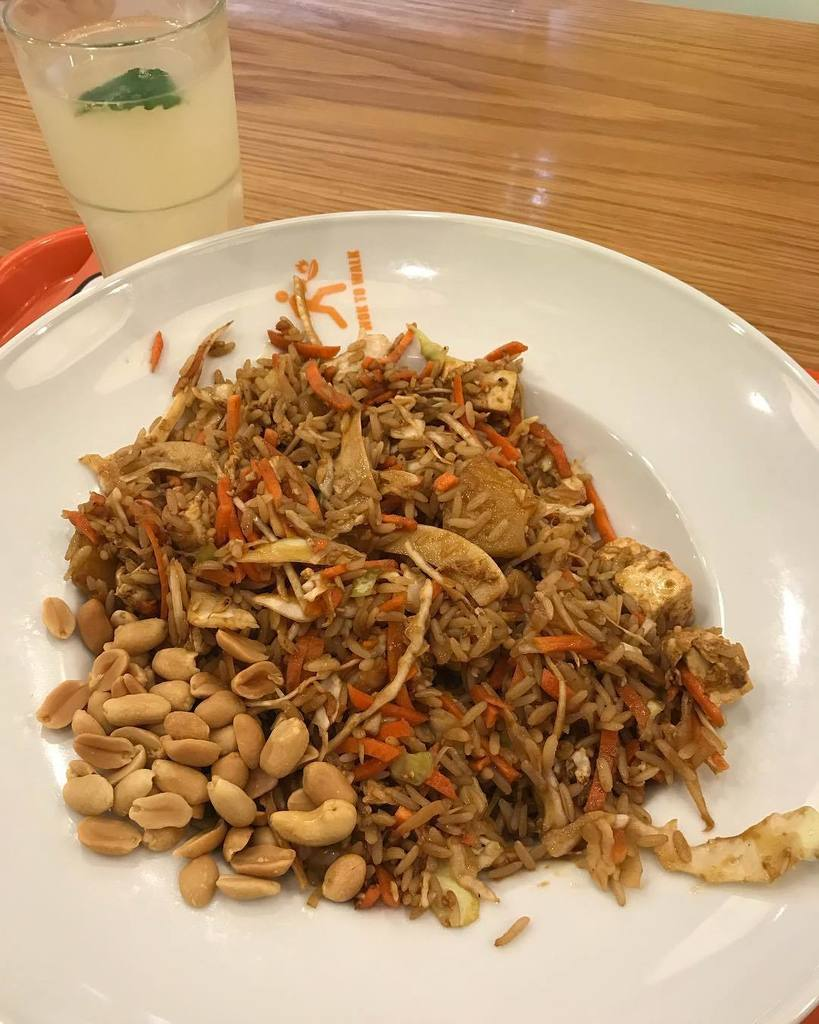 Recovery lunch after running: brown rice with tofu, pineapple and peanuts!  #happy #fun #friends #fitness #motiva…  http:// ift.tt/2e0Bn2n  &nbsp;  <br>http://pic.twitter.com/jAns58sCHQ