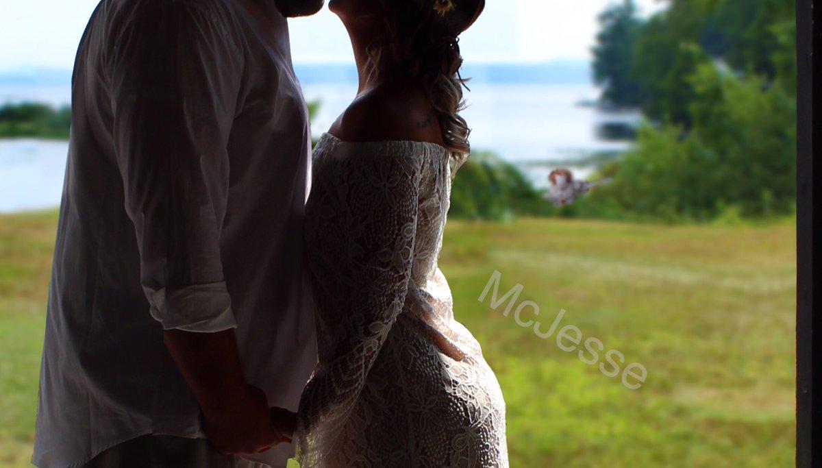 Foto pertunangan kakak McLaren