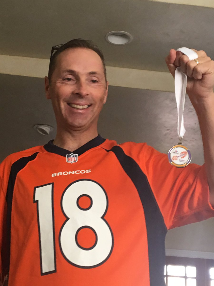 Rich proud of his medal for participating in the 5k #usainbolt <br>http://pic.twitter.com/R5QVtJIb0c