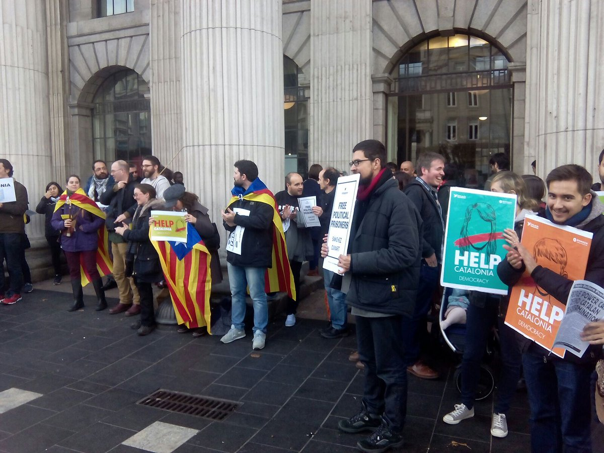 At the @ANC_Ireland rally against Catalan repression and against Jordis imprisonment! #Dublin #RealTimeEPA @withcatalonia<br>http://pic.twitter.com/vi6l9iMIvi