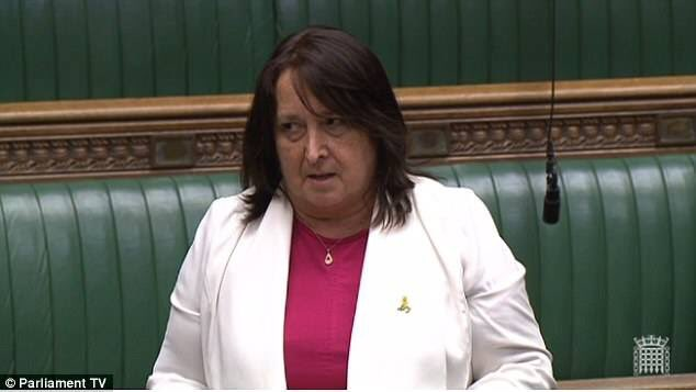 """""""As long as @UKLabour &amp;  @Conservatives keep driving us towards an extreme #Brexit, #UK #economy will suffer a car crash"""" says @cajardineMP<br>http://pic.twitter.com/07yN7jPZoD"""