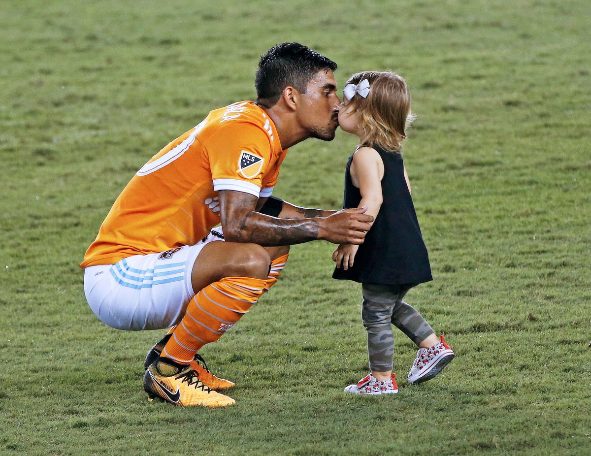 #DecisionDay and #HappyBirthday to my biggest but smallest fan. <br>http://pic.twitter.com/4wo5g5Pktt
