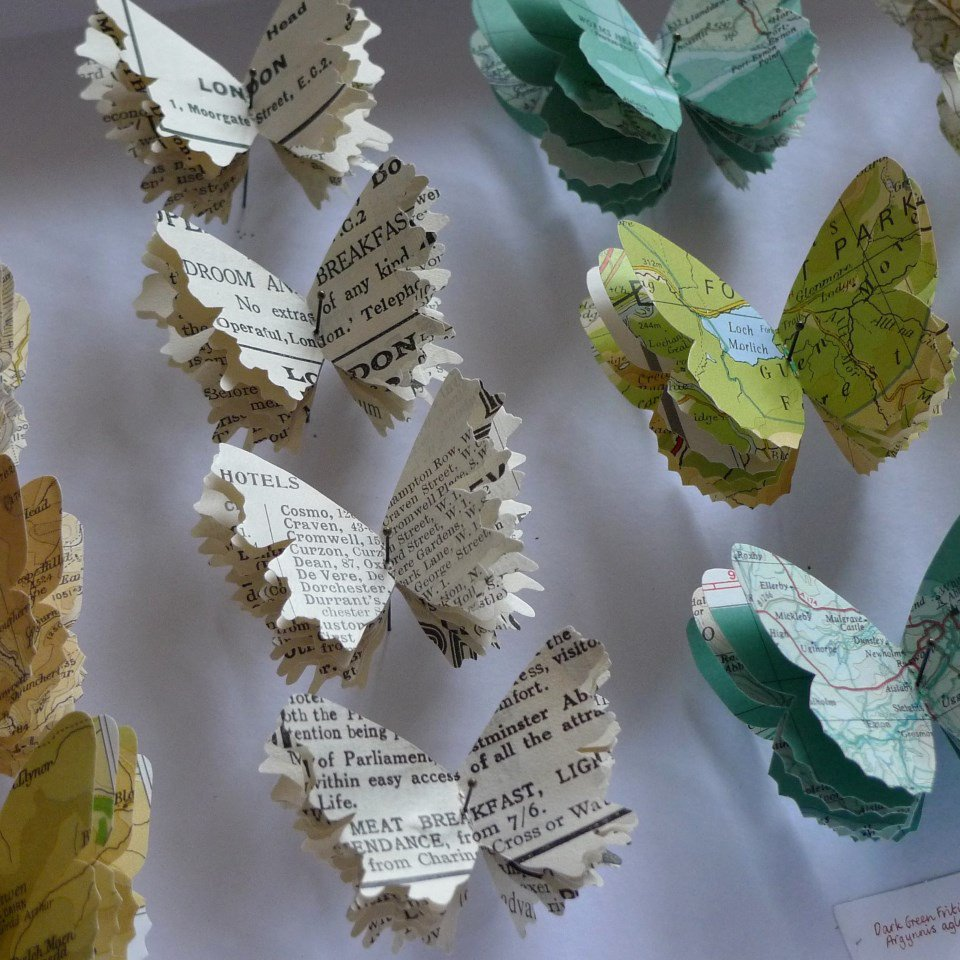 #Recycled art by @TraceyBushUK, curated by Rosie Glenn Spring 2017  #FontSunday @DesignMuseum   #butterflies #sustainable #ecology #collage<br>http://pic.twitter.com/nAES6P4RU1