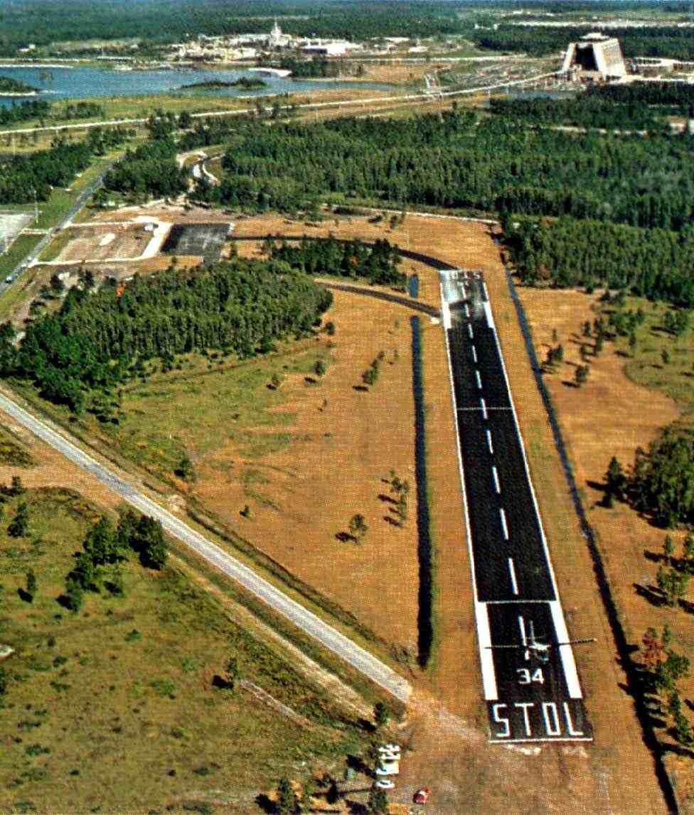 Service to #WaltDisneyWorld 's STOLport airport began on this day in 1971. #DisneyHistory #VintageDisney #VintageDisneyWorld #Disney <br>http://pic.twitter.com/IG9PiIFoNy