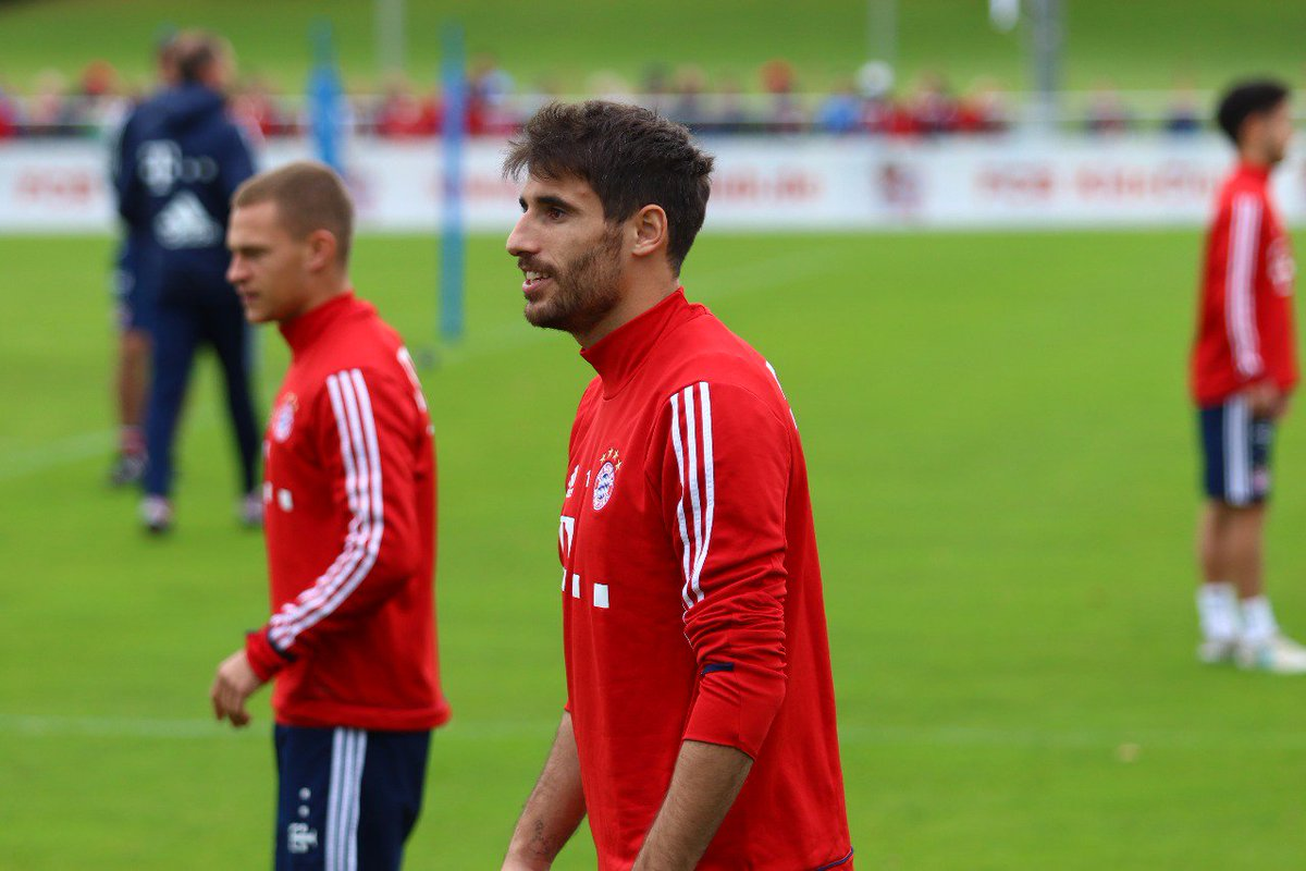 Look who was back in training this afternoon 👀😊👋 @Javi8martinez #MiaSa...