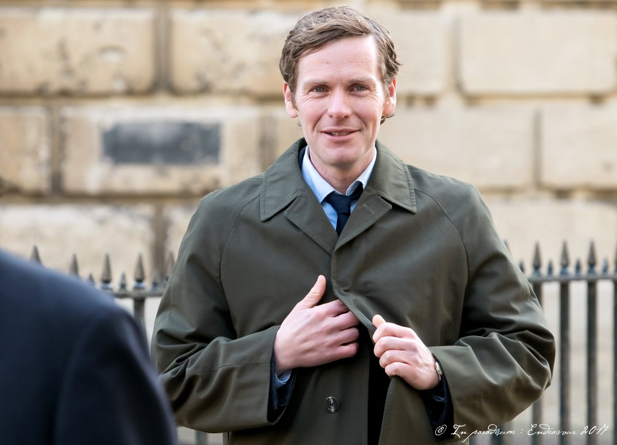 Button. S5F5, Sept 19th 2017, Radcliffe Sq, Oxford. #Endeavour #ShaunEvans<br>http://pic.twitter.com/mgLeoQlMG9