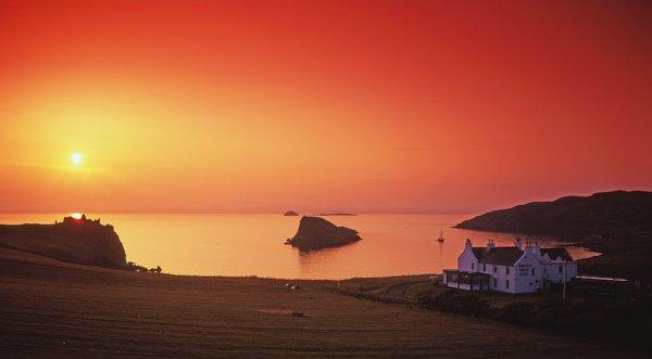 The sun sets this week over Duntulm #Castle, Isle of #Skye.  #sunset #sea #coast #scotland<br>http://pic.twitter.com/pRv2WFotd7