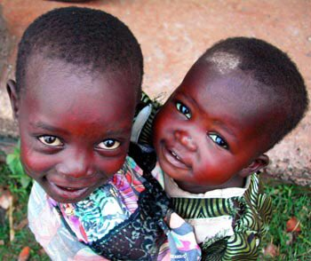 #Inequality foreshadows a #child chance at survival. 15,000 #children die daily before 5yrs old. #SDGs #SDG3 @UNICEF  http:// ow.ly/l9ui30g32jn  &nbsp;  <br>http://pic.twitter.com/tFYddYIq9M