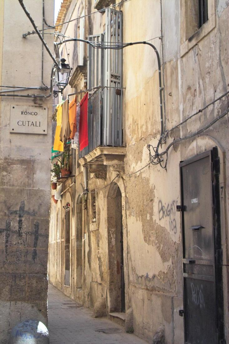 In ancient #Mediterranean towns #sustainability is often felt in #simplicity. #sustainable #Sicily #Italy #Italien  https:// goo.gl/JD4Et1  &nbsp;  <br>http://pic.twitter.com/QUrXWuuaJf