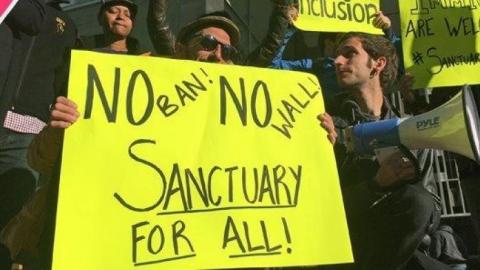 #SmartDissent is a Database tracking #Trump &amp; #Congress sorted by topic. #Immigration:  http:// smartdissent.com/tags/immigrati on &nbsp; …  #DACA #DefendDACA #TravelBan<br>http://pic.twitter.com/61czc8qhcy