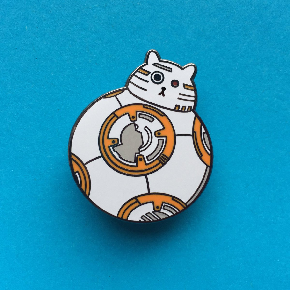 Hi @Craft_Hour #crafthour Fat Kitty is dressing as #BB8 This #halloween #starwars #etsy #cats #pins   ORDER HERE &gt;&gt;&gt;  https://www. etsy.com/uk/listing/398 689593/bb8-pin-star-wars-enamel-badge-lapel-pin?ref=shop_home_feat_2 &nbsp; … <br>http://pic.twitter.com/t3JMsn63KT