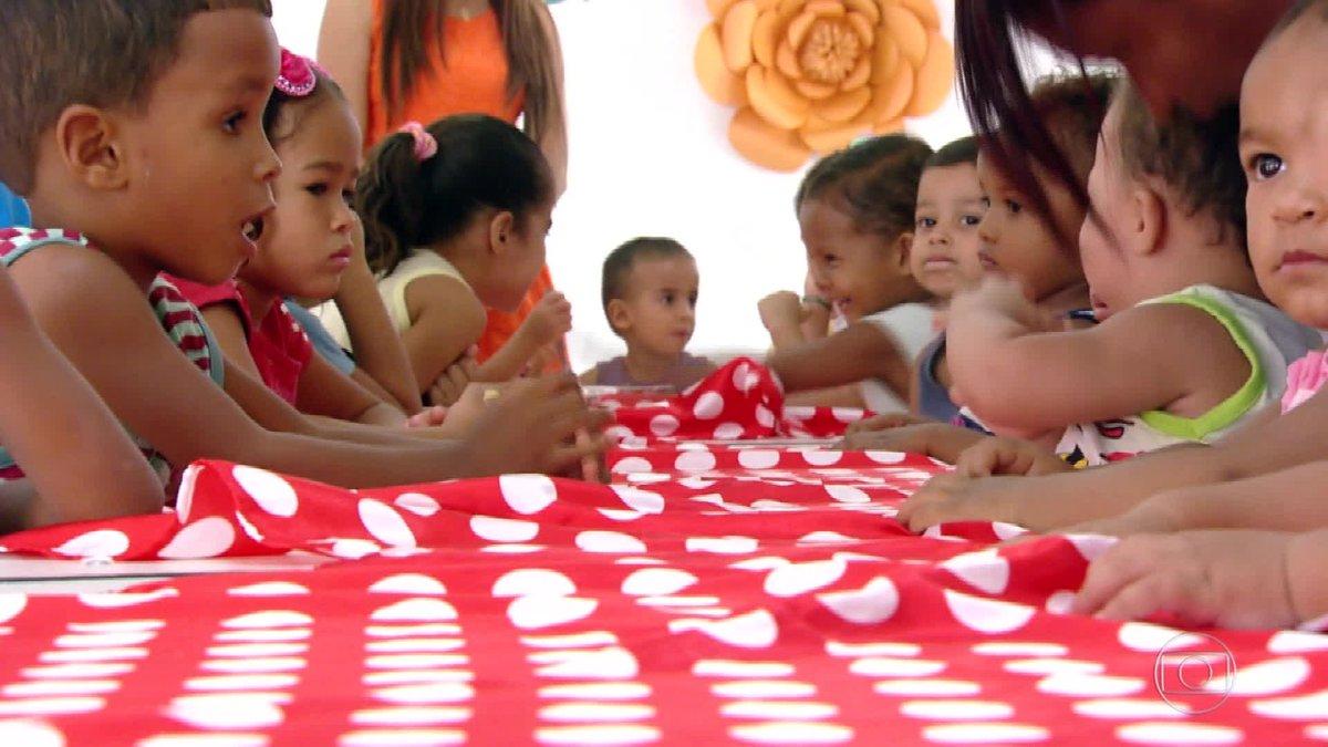 Crianças de Janaúba, em Minas, voltam às aulas, após incêndio em creche que matou dez alunos e uma professora. https://t.co/eAcxpr4Vkf