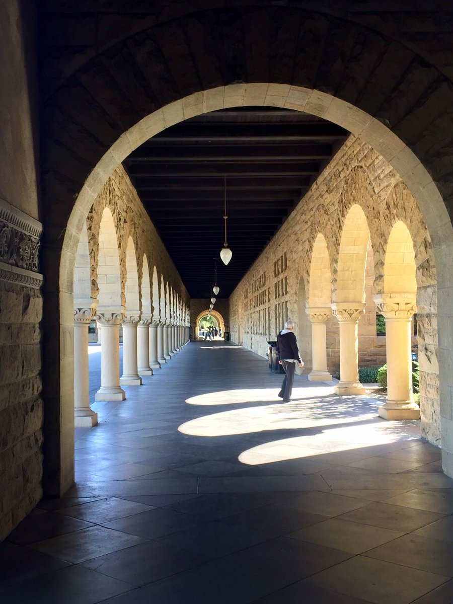 At the heart and source of new innovation #stanford #openness #sharing #neweconomy #twdsmoderncompany<br>http://pic.twitter.com/jjiBVrVzBv &ndash; à Stanford University