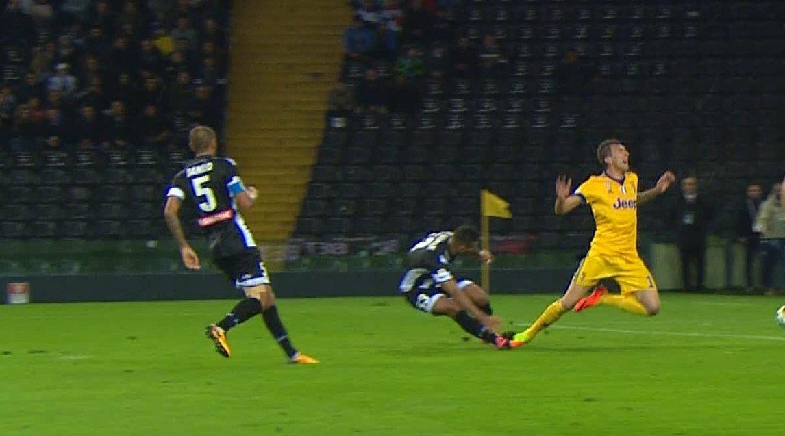Manduzkic, rigore negato e rosso ma la Juventus in 10 ne fa 4 e vince a Udine - https://t.co/qBHhAHMyJV #blogsicilianotizie #todaysport
