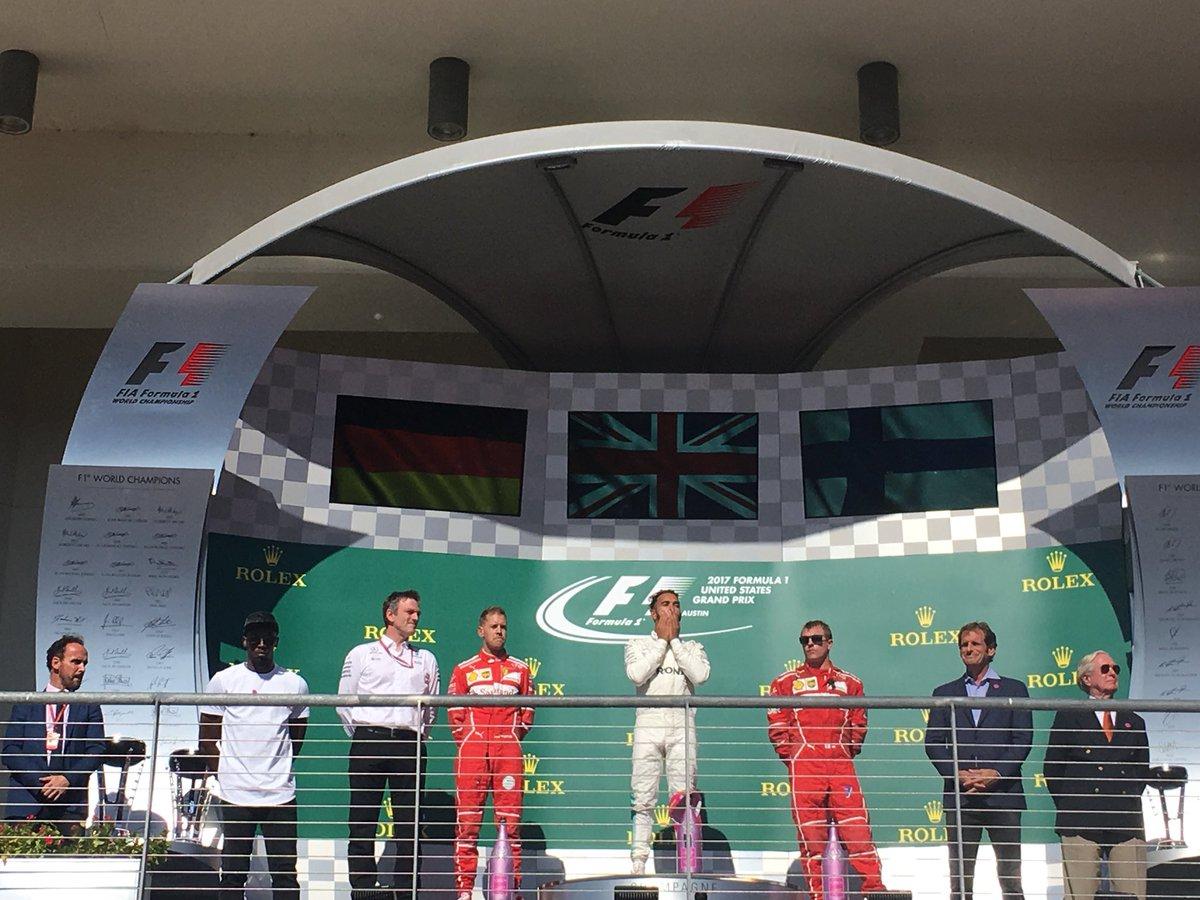 Гран-при США: Льюис Хэмилтон побеждает, и Mercedes досрочно выигрывает Кубок конструкторов! - ФОТО