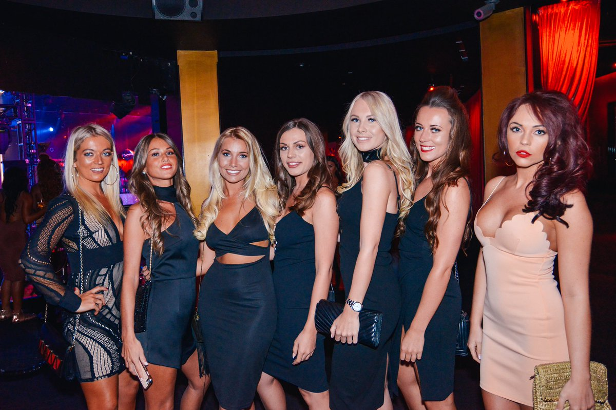drais bachelorette party, vegas bachelorette, drais rooftop, drais club, draus, dreas, draius
