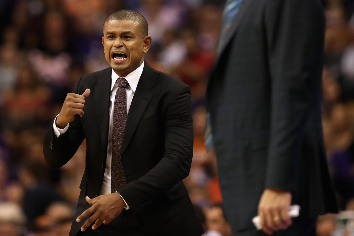 Earl Watson has been fired by the Suns, per @wojespn https://t.co/YMDK...