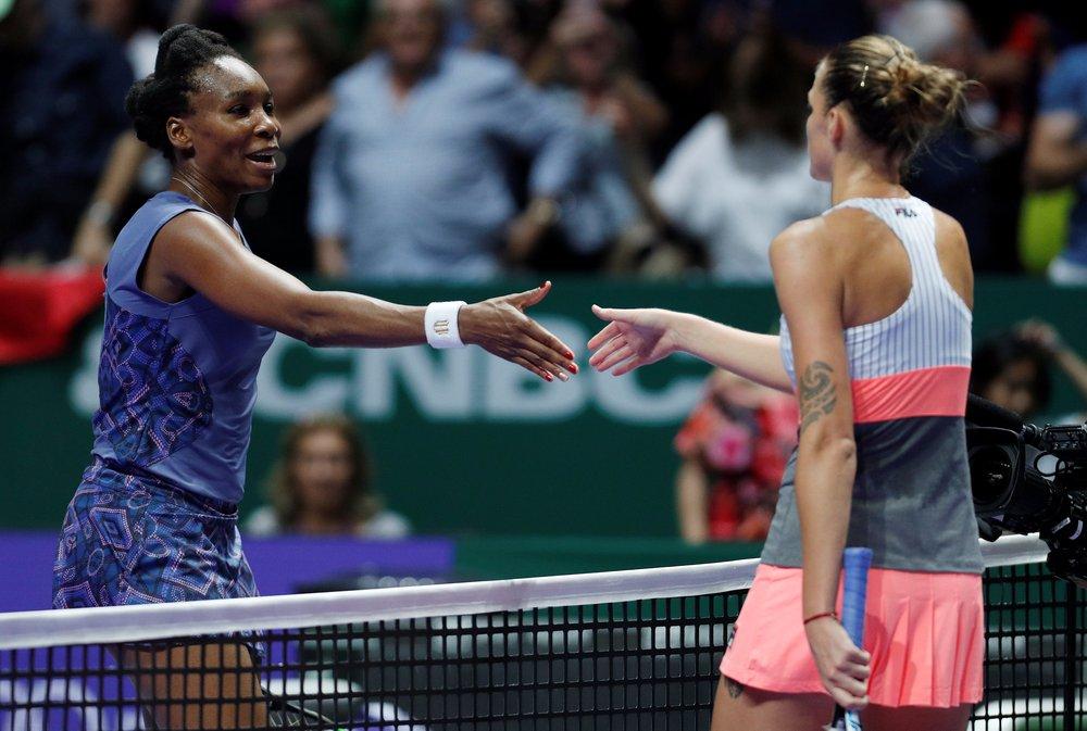 Not the best start to the WTA Finals for Venus #Williams who crashed to a 6-2 6-2 loss to Karolina #Pliskova   &gt;&gt;&gt;  http:// bit.ly/KaroMugu  &nbsp;  <br>http://pic.twitter.com/jYOwGfmKVM