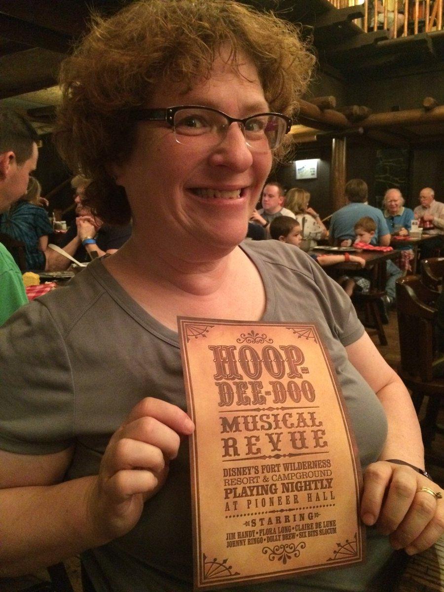 Valentines Day at the Hoop-Dee-Doo Musical Revue:  http:// makeminemagicpodcast.com/2017/09/13/the -make-mine-magic-podcast-112-the-hoop-dee-doo-musical-revue/ &nbsp; …  with @Journeyfer @monsura #Disney #FortWilderness<br>http://pic.twitter.com/43hKiKxiwt