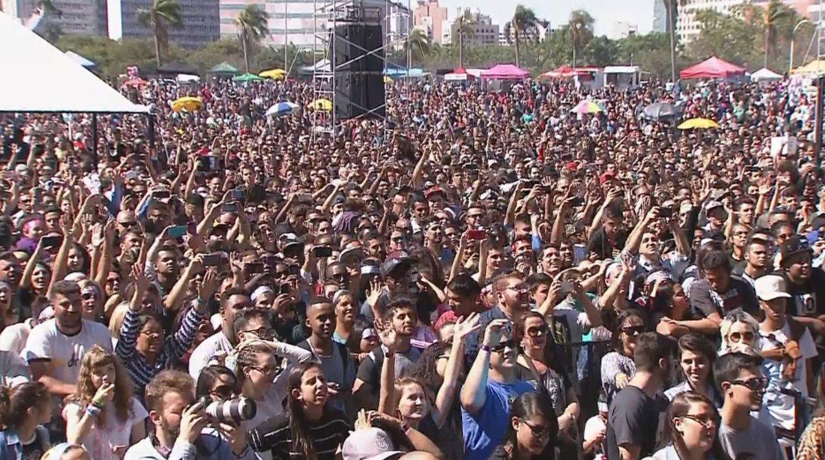 Festival Promessas reúne milhares de pes...
