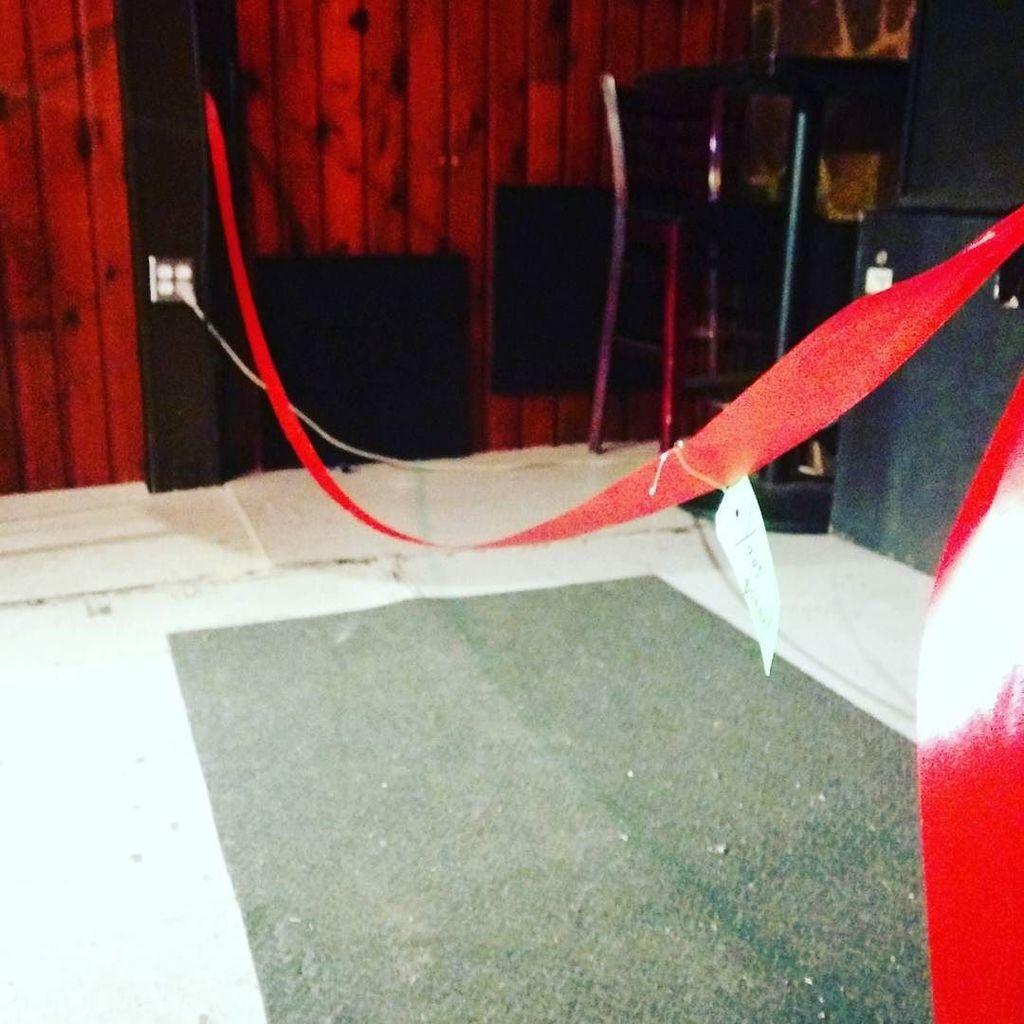 We have a #ribbon #letsdothis #bonnechance<br>http://pic.twitter.com/tgZfxNiwC2