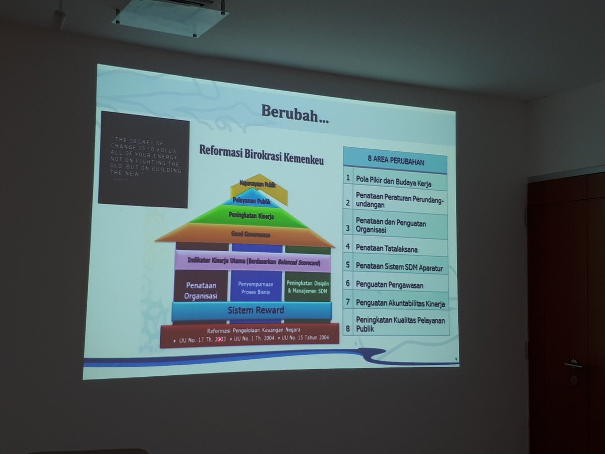 5 bureaucratic reform (RB) is directed to deliver better public service &amp; increase trust. #reform #Sesparlu<br>http://pic.twitter.com/oDdWjjWt0Z