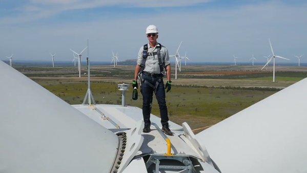 Jeff Bezos launches Amazon's biggest wind farm – from 300 feet : RenewEconomy https://t.co/c2NvkOQg9v