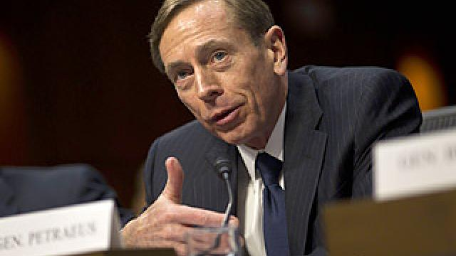 Petraeus to Trump: We need to unite behind Gold Star families, not drag them into politics https://t.co/Ec2GjcW5kM