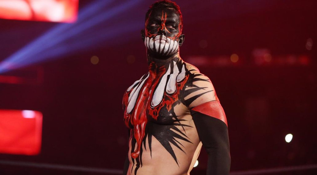 .@FinnBalor defeats @AJStylesOrg as dream match lives up to billing at #WWETLC Live updates with @MirrorSport https://t.co/D068JRZmGE