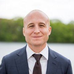 RT! #Election2018Defeat Dan Donovan#WinBlue  Support Max Rose #NY11, &amp; @DemsWork4USA  https:// secure.actblue.com/donate/dw4maxr 2018 &nbsp; …   #NYpol #NYpolitics #NewYork <br>http://pic.twitter.com/JBqMpFZTC5