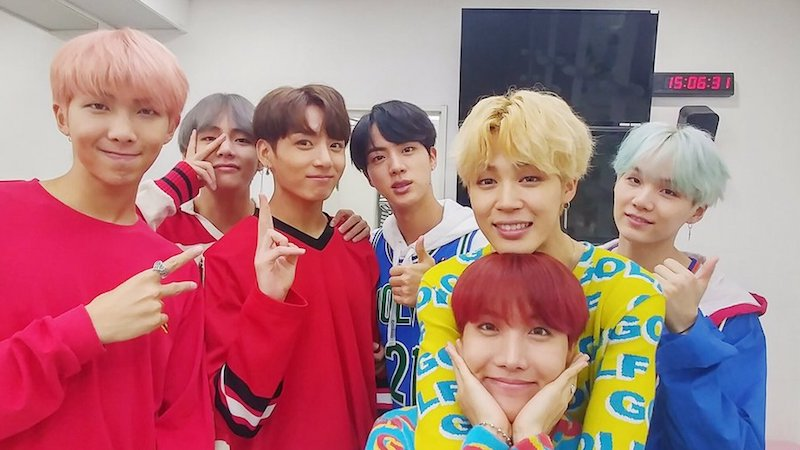 """#BTS Guards Top Spot With """"DNA""""; Soompi's K-Pop Music Chart 2017, Octo..."""