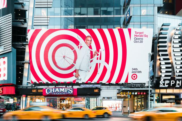 How @Target's brick-and-mortar stores work hand-in-hand with digital efforts to drive growth https://t.co/MOYYxdTLTt https://t.co/vffZGdHexm