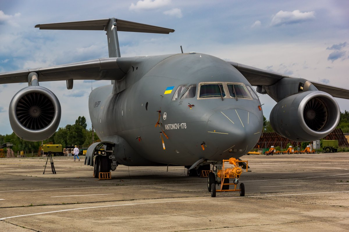 Ан-178 не полетит: украинцы не смогли импортозаместить российские комплектующие