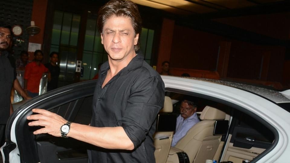 I&#39;m #Happy &amp; Content With Who I Am, Why Would I Want To Be Someone Else?: @iamsrk    http://www. desimartini.com/news/htcity/en tertainment/i-am-shah-rukh-khan-so-why-should-i-want-to-be-someone-else-srk/article65446.htm?utm_source=twitter&amp;utm_medium=referral&amp;utm_campaign=twitter_martinishots &nbsp; …   #Life #SRK #MondayMotivation<br>http://pic.twitter.com/TbR7Dn0oPD
