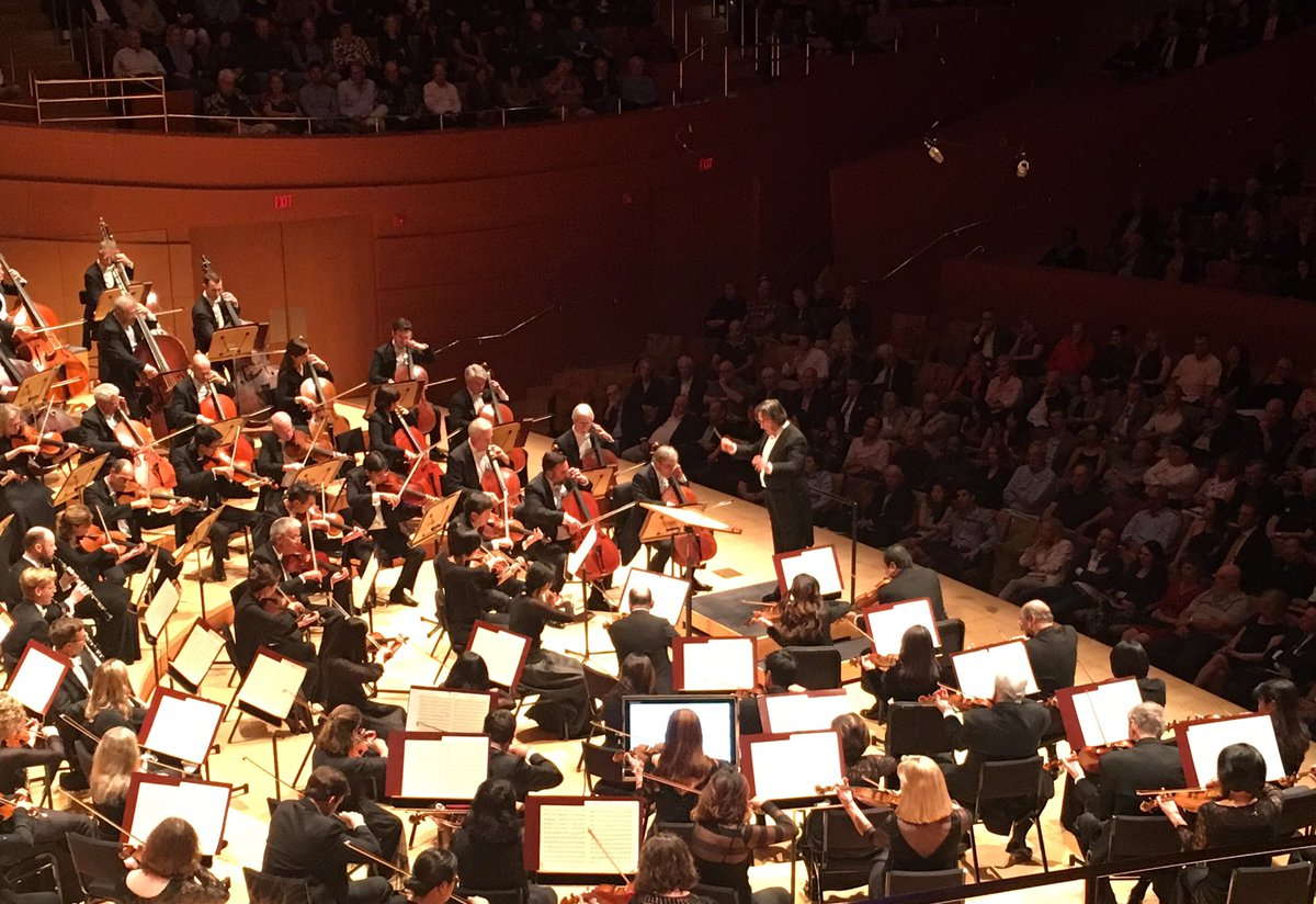Healing music  for mind body and soul  Spectacular #RiccardoMuti  &amp; the @chicagosymphony #orchestra in #LA  #Sundayfunday #musicblog<br>http://pic.twitter.com/XMSNvwofbJ