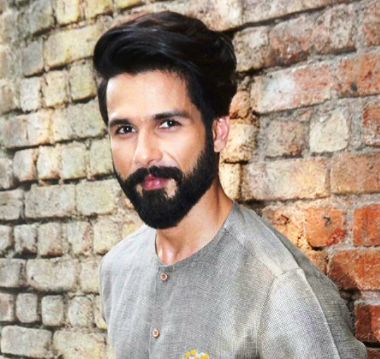 Good Friends Come And Go, That&#39;s #Life: @shahidkapoor    http://www. desimartini.com/news/bollywood /heres-what-shahid-kapoor-has-to-say-about-true-friendship/article65477.htm?utm_source=twitter&amp;utm_medium=referral&amp;utm_campaign=twitter_martinishots &nbsp; …   #Bollywood #Friends @Shahid_Online @shahidkapoorFC<br>http://pic.twitter.com/ACGXTTuwY5