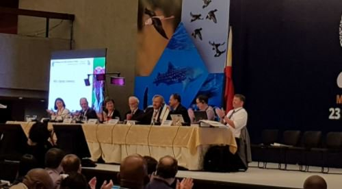 Congrats #Ecuador for signing CMS MoU to protect #sharks and their environmental benefits for coastal communities #CMSCOP12<br>http://pic.twitter.com/OumJskJPCd