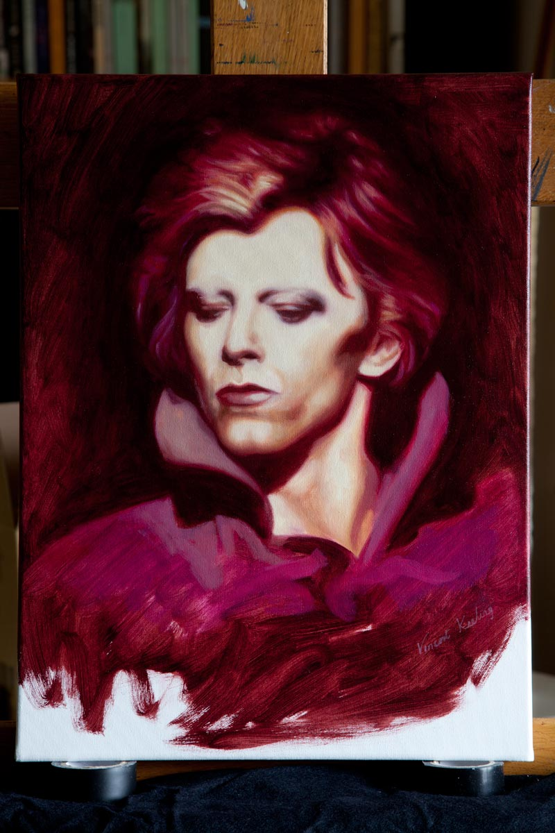 Photographed my new painting of Bowie over the weekend! #oilpainting #DavidBowie <br>http://pic.twitter.com/GcGZqyxKJ5