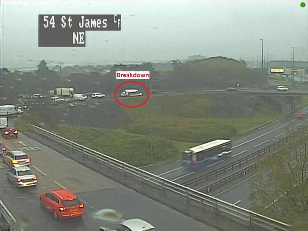 test Twitter Media - *NEW* ⚠  Breakdown affecting a lane on St James R/bout. TRISS & Police en-route. Traffic coping but #BeAware  @ScotTranserv https://t.co/P1Nw6eifo9