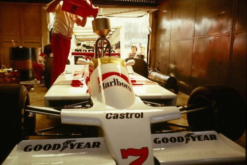 #MarlboroMonday  John Watson's #McLaren M28 being refueled in the pits at the 1979 Race of Champions at Brands Hatch <br>http://pic.twitter.com/cwRxdf9cvM