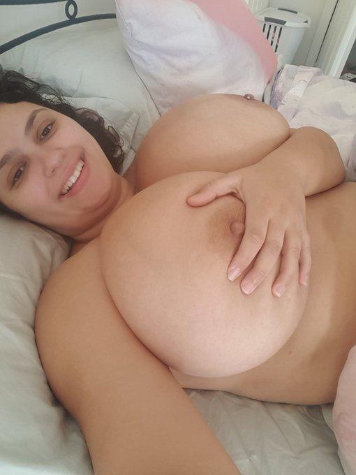 1 pic. Good morning sexy people. #The_Rose_Blush #36N #bbw #curvy #bignaturalboobs #sleepyslut #morning